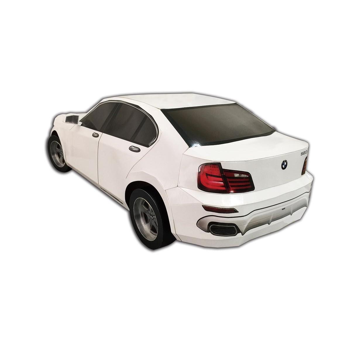 BMV白色轎車一台