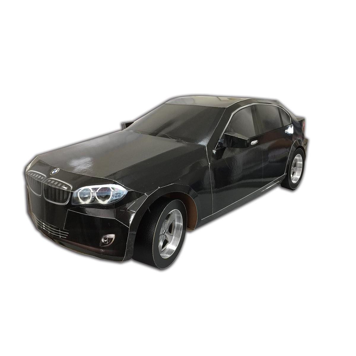 BMW黑色轎車一台