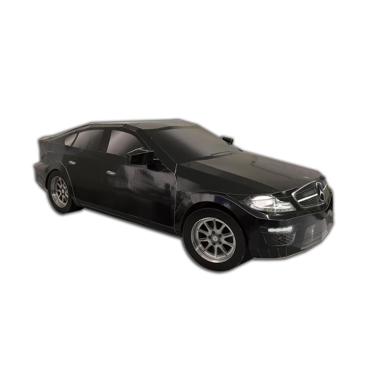 賓士黑色轎車一台